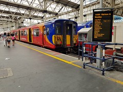 5910+5914 at London Waterloo prior to working 2C41, the 1409 to Reading. (Conner Nolan) Tags: 5910 5914 455910 455914 class455 londonwaterloo southwesternrailway