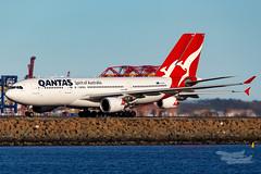 VH-EBJ A332 VH-OQE A380 QF 34L YSSY-7719 (A u s s i e P o m m) Tags: qantas sydney newsouthwales australia au qf airbus a332 a380 syd yssy sydneyairport