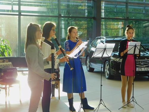 Tartu II Muusikakooli õpilased Catwees OÜ Tartu esinduses
