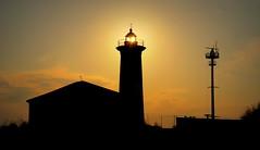 IL FARO AL TRAMONTO. (2 FOTO) (Skiappa.....v.i.p. (Volentieri In Pensione)) Tags: bibione faro sole