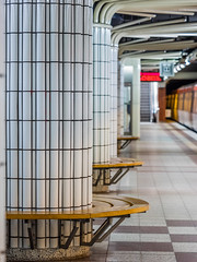 White Tiles (katrin glaesmann) Tags: hamburg station tube train moving metro hvv niendorfnord architecture 19871991 ubahnhof tubestation unterwegsmitmichi u2