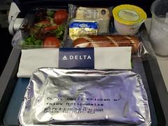 266/365 Plain Plane Food (Helen Orozco) Tags: 266365 2018365 delta deltaairlines food conveniencefood dinner plane plain