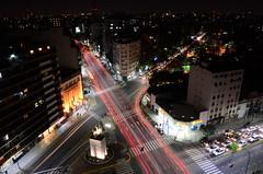 Luces alternativas (Manutero) Tags: lights luces longexposure largaexposicion night noche calle streets autos transito cid cars