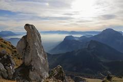 L'Œille (yom1) Tags: rocks rochers rocher montagne montagnes mountain mountains paysage paysages soir evening dusk brume mist nuage nuages soleil aiguille cloud clouds europe france alpes alps alpen alpi alpe isère rhonealpes rhônealpes auvergnerhonealpes alpesfrançaises frenchalps sainthilaire chartreuse chamechaude dentdecrolles crolles yom1 canon eos6dmarkii 6dmarkii ef2470 ef2470f4lisusm 2470 grenoble grésivaudan fall automne autumn