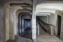 Voyage dans le temps (Delpro-Photographie) Tags: escalierroulant delpro decay 1930 année30 1928 montée descente artdéco abandonné ancien horsservice escalier