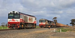 CSR001 moves forward off PM9 to be dropped at Dooen freight terminal (bukk05) Tags: csr001 railpage:class=108 railpage:loco=csr001 rpaucsrclass rpaucsrclasscsr001 csrclass csrziyangsda1 csr pm9 sct001 sct014 sct011 sct dooen sctlogistics sctclass specialisedcontainertransport sda1 mtu20v4000r43lefi gt46cace wimmera westernstandardgaugeline wagons explore export engine emd electromotivediesel emd16710g3ces railway railroad railpage rp3 rail railwaystation railwaystations ruralcityofhorsham train tracks tamron tamron16300 trains photograph photo loco locomotive horsepower hp horsham flickr freight diesel station standardgauge sg spring 2018 australia artc zoom canon60d canon victoria vr victorianrailway vline victorianrailways vans mainline crew