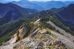untitled (ashtenphoto) Tags: pacific northwest pnw mountains mountain hiking backpacking explore adventure fall colors autuimn orange yellow red sky clouds peak bagger climb autumn