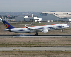 CS-TMT Airbus A330 Belgian Air Force (@Eurospot) Tags: 9mmkz cstmt airbus a330 a330300 hifly belgianairforce lfbo toulouse blagnac 9hagu