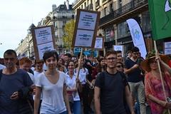 Climate change protesters march in Paris streets (Jeanne Menjoulet) Tags: climat change protesters manif marche manifestation environnement climate écologie finance