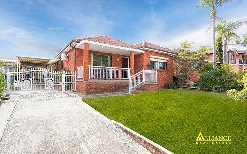 8 Mackinnon Av, Padstow NSW 2211