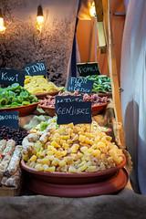 Frutas de colores (PéRiC) Tags: fruta colores mercado roquetas medieval disecado deshidratada