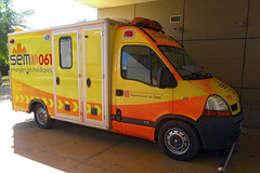 Sistema d'Emergències Mèdiques (bleulights) Tags: sistema demergències mèdiques p02 renault master ambulància ambulancia ambulanza ambulance ambulanz rettungswagen emergències medical emergencies emergencias médicas urgences médicales catsalut suport vital avançat soporte avanzado advanced life support soutien de la vie avancée samu