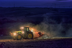 Night Shift (Elenovela) Tags: traktor egge saat tractor harrow seed nacht night landwirtschaft farming feld field acker availablelight highiso germany deutschland mittelgebirge lowmountainrange panasonicgh5 leica425mmf12 elenovela karstenmüller