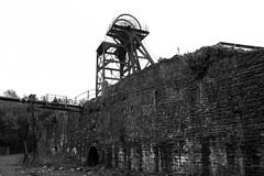(Capt' Gorgeous) Tags: coal mine southwales rhonddablackandwhite industry greatwesterncolliery hetty windingengine steam pit headgear