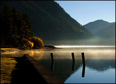 Frühmorgens am Plansee (angelofruhr) Tags: österreich plansee austria alpen nebel refexionen reflections mood alps