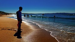 Cronulla Beach (missgeok) Tags: cronulla beach sydney australia outdoor sea ocean waves sand newsouthwales silhouettes people goldensand shoreline bluesky noclouds clearday shadows lighting composition beautiful warm