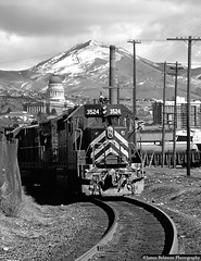 Wobbly Through Grant Tower (jamesbelmont) Tags: westernpacific wp saltlakecity utah granttower emd gp40 statecapitolbuilding