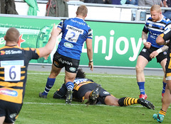 Ashley Johnson Back Row Hooker 008-1 (cwoodend..........Thanks) Tags: ricoharena heinekenchampionscup 2018 heinekenchampionscup2018 wasps waspsrfc waspsrugby bath bathrfc bathrugby rugby rugbyfootball rugbyunion ashleyjohnson try