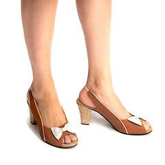 Jenny Tan And White Sling Back Heels 1 (paio.nirmal) Tags: paioshoes paio pop toes heels highheels heelsforwomen peeptoesheels peeptoes