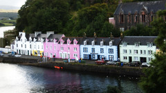 Portree (Suzanne's stream) Tags: portree harbour houses häuser bunt colored skye isle insel scotland schottland