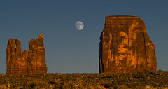 Harvest Moon / Monument Valley, Navajo Nation (Edwaste) Tags: utah landscape monumentvalley navajonation navajoreservation