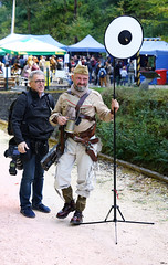 Anno 1900 Steampunk Convention Fond de Gras Luxembourg 21 (Roger-Kersten) Tags: mann steampunk anno1900steampunkconventionfonddegrasluxembourg anno fonddegras man männer soldat