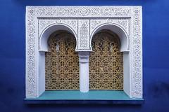 Ventana (Guillermo Relaño) Tags: marrakech marruecos marocco maroc nikon d90 guillermorelaño ventana window azul blue parque park garden jardín botánico majorelle sigma 1020mm wideangle granangular