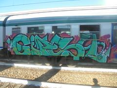 007 (en-ri) Tags: gipsy mesk crew nero verde acqua fuxia arrow train torino graffiti writing
