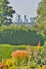 Eltham Palace (gary8345) Tags: 2018 uk unitedkingdom greatbritain britain england london londonist southlondon eltham elthampalace garden gardens snapseed
