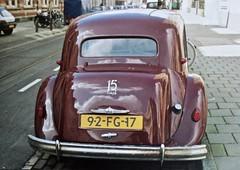 92-FG-17 CITROËN 11B/15 Six Traction Avant Familiale 1954/1975 (ClassicsOnTheStreet) Tags: 92fg17 citroën 11b tractionavant 15 familiale 1954 1975 ta traction citroënta citroëntractionavant 11series tractionavantfamiliale tafamiliale 50s 1950s voiture saloon sedan pkw andrélefèbvre lefèbvre bertoni flaminiobertoni classiccar classic oldtimer klassieker veteran oldie classico gespot spotted carspot amsterdamcentrum amsterdam centrum plantagedoklaan 1994 2018 straatfoto streetphoto streetview strassenszene straatbeeld classicsonthestreet analogue analoog fotovanfoto copy kopie repro reproductie reproduction cwodlp onk fg