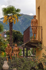 Sculptures at a Balcony (Bephep2010) Tags: 2018 7markiii alpen alpha ascona balkon berg frühling ilce7m3 lagomaggiore lakemaggiore sel24105g schweiz skulptur sony switzerland tessin ticino wald alps balcony forest mountain sculpture spring ⍺7iii ch
