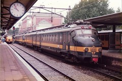 NS33 081085 (stevenjeremy25) Tags: sncb ns benelux electric dordrecht emu netherlands holland railways