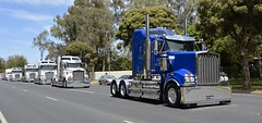 Farey (quarterdeck888) Tags: trucks truckies transport australianroadtransport roadtransport lorry primemover bigrig overtheroad class8 heavyvehicle highway road truckphotos nikon d7100 movingtrucks jerilderietrucks jerilderietruckphotos quarterdeck frosty expressfreight generalfreight logistics overnightfreight highwayphotos semitrailer semis semi flickr flickrphotos convoyforkids convoy waggaconvoyforkids2018 riverinaconvoyforkids riverinatruckshow truckshow workingtrucks transportexpo faray t909 kenworth squaretanks farey