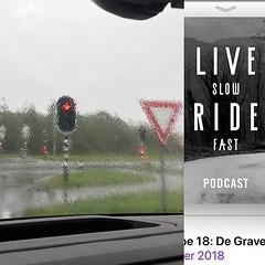 Terwijl de regen de ramen van de bus probeert schoon te krijgen, zit ik bij de kachel met de Live slow Ride fast podcast van @laurenstendam onderweg naar een race in Münster. Bijna idyllisch. #AlpecnCycling @BicyclingNL #mycanyon #myrain #preracerelaxati