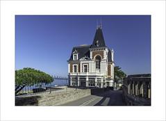 Villa Les Roches Brunes (Gérard Boisnard) Tags: france bretagne illeetvilaine dinard villalesrochesbrunes villas mer océan boisnard