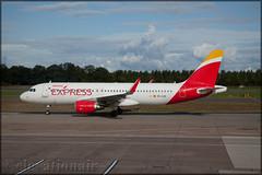 EC-LUS Airbus A320-216 Iberia Express (elevationair ✈) Tags: egph edi edinburgh edinburghairport uk unitedkingdom avgeek aviation airplane plane aircraft taxy apron iberia iberiaexpress airbus a320 airbusa320216 eclus
