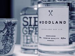 Itˋs Gin OˋClock (alterahorn) Tags: dxo glasflaschen glas details planar tessar pancake zuiko40mm zuiko40mmf20 olympuszuiko olympuspenf olympus getränk closeup gin