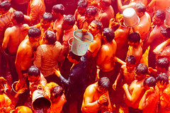 Men With Buckets of Holi Paint, Shri Dauji Temple, Chhabria (AdamCohn) Tags: 016kmtobaldevinuttarpradeshindia abeer adamcohn baldev chhabria india shridaujitemple uttarpradesh colors geo:lat=27408301 geo:lon=77821930 geotagged gulal holi play wwwadamcohncom अबीर गुलाल baldeo