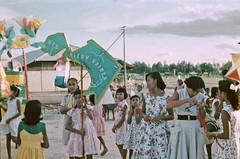 BD_171_623b 30 april 1959 (Stichting Papua Erfgoed) Tags: koninginnedag papua westpapua papuaheritagefoundation stichtingpapuaerfgoed irianjaya voormalignederlandsnieuwguinea nederlandsnieuwguinea irianbarat anthonyvankampen