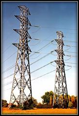 LES JUMEAUX (villarceau70) Tags: industrie électricité transport pylones visionsartistiques