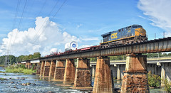 CSX W996-09 crossing over the Broad River
