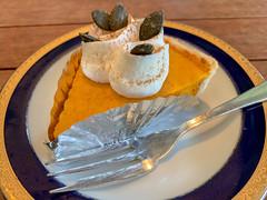tarte (Hideki Iba) Tags: food table iphone kobe japan tarte iatethis cake