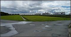 Bremerhaven Terminal (Barbara Wenzel-Winter) Tags: bremenundumzu hafen terminal norden norddeutschland bremen nordseeküste wesermündung bremerhaven spiegelungen himmel wolken