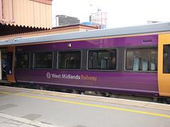 West Midlands Railway 172 338 - Birmingham Moor Street Station (ell brown) Tags: birminghammoorstreetstation moorstreetstation birminghammoorstreet birmingham westmidlands england unitedkingdom greatbritain edwardian greatwesternrailway gwr westmidlandsrailway westmidlandstrains chilternrailways train class172 birminghamuk