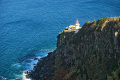 Farol do Arnel, easternmost point of San Miguel (beyondhue) Tags: lighthouse farol do arnel san miguel azores island portugal easternmost nordeste east travel sea atlantic ocean beyondhue shore sunny slope rugged rock cliff coast bay landscape volcanic