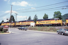 Family vacation to Washington DC - shot out the car window somewhere in West Virginia (LE_Irvin) Tags: csx gp402