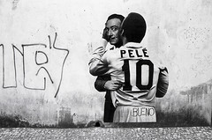 Rua do Comercio (Manuel Goncalves) Tags: wall street streetart santos brazil blackandwhite graffiti nikonn90s 35mmfilm kentmere400 epsonv500scanner