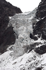 Glaciar El Morado (Javiera C) Tags: chile cajondelmaipo santiago canyon lake laguna glacier glaciar ice hielo montaña mountain andes andesmountains cordillera losandes trekking caminata altura cloudy nublado frio cold