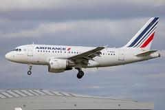 Air France - Airbus A318-111 F-GUGC @ London Heathrow (Shaun Grist) Tags: fgugc af airfrance airbus a318 landing 27l lhr egll london londonheathrow heathrow airport aircraft aviation aeroplanes airline avgeek shaungrist
