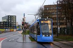 Vierteiler 2504 kurz vor dem Vogelweideplatz (Frederik Buchleitner) Tags: 2504 avenio linie19 munich münchen siemens strasenbahn streetcar twagen t4 tram trambahn